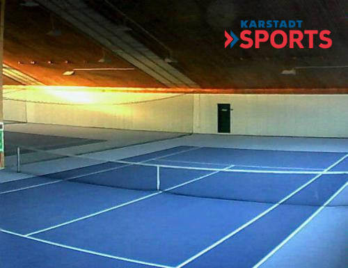 Tennishalle morgens um 7:30 Uhr am 1. April - Frühtennis